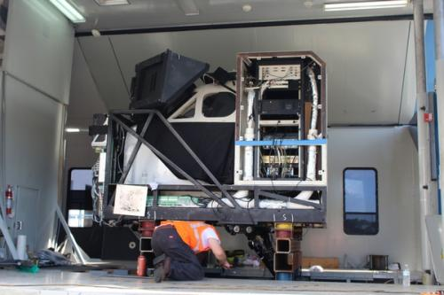 Preparing to unload King Air B200 simulator -1
